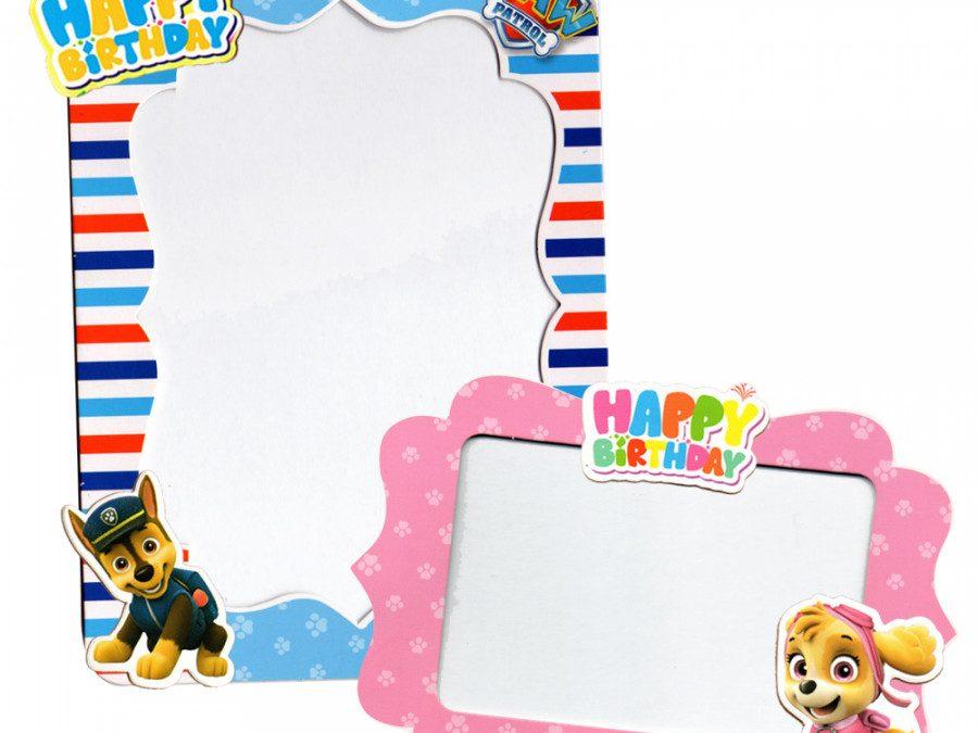 Xu hướng trung bày khung hình giấy để bàn của dân văn phòng